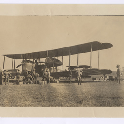 Vickers Vimy surrounded by onlookers at Delhi