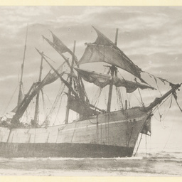 The 'Peter Iredale' showing the vessel stranded
