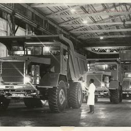 Photographs relating to Messenger Press : cars • Photograph