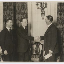 Ross and Keith Smith meeting Major-General Seely