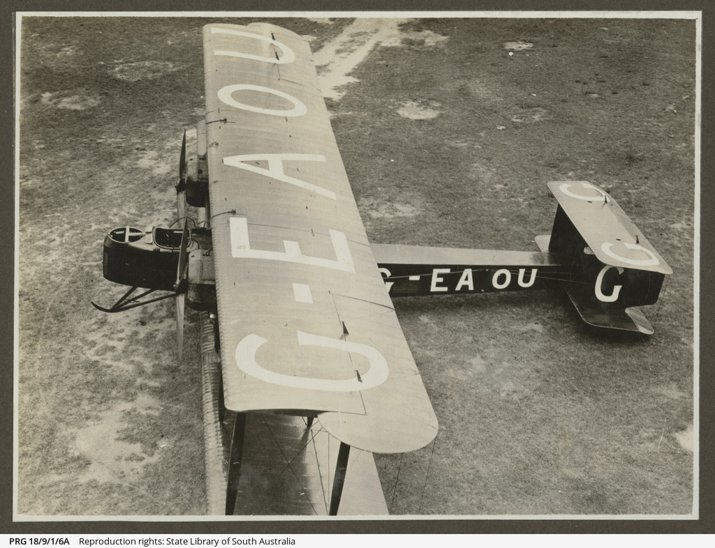 G-EAOU Vickers Vimy.