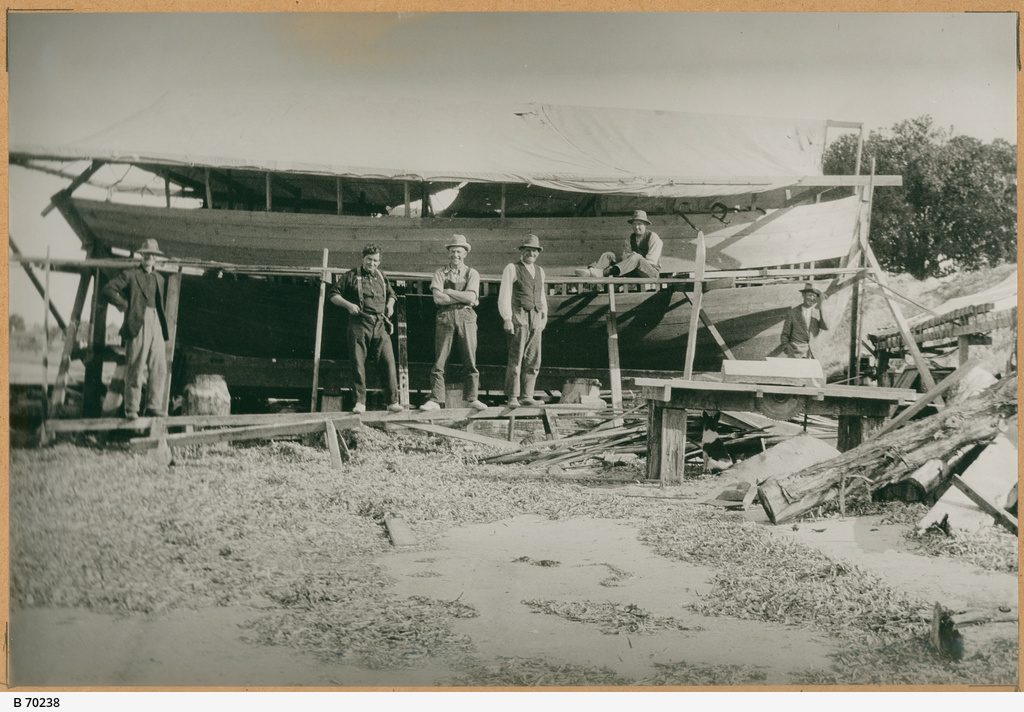 Boat builders at Port Lincoln