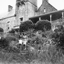 Rosemary Norrie and Eleanor Kerans