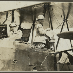 Keith Smith and Frank Hurley in the Vickers Vimy.