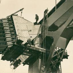 Sydney Harbour Bridge arch cables