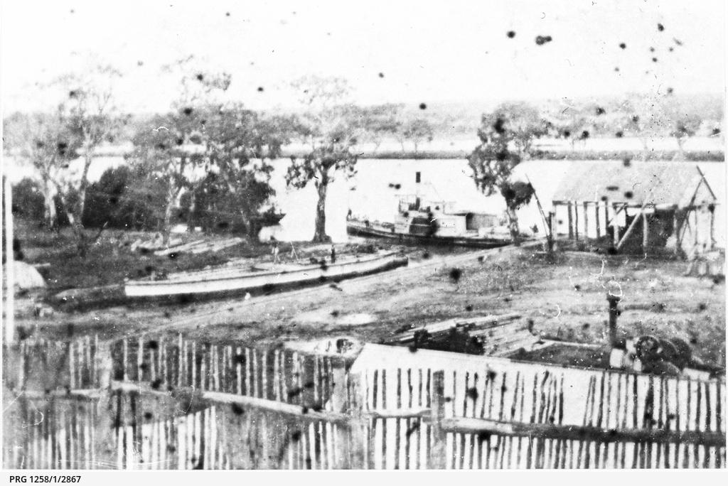 P.S. Nil Desperandum at river bank at Mannum