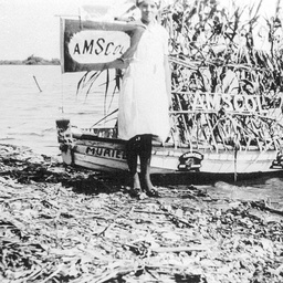 Prize winning decorated small rowboat Muriel at Tailem Bend Regatta