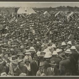 Crowds at Mascot.
