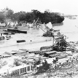 Panoramic view of the uncompleted Lock 3 with P.S. 'Success', P.S. 'Canally', P.S. 'Renmark'