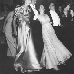 Dancing 'the palais glide'