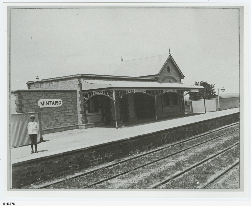 Railway station at Mintaro