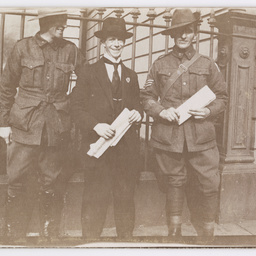 Returned Australian soldiers.