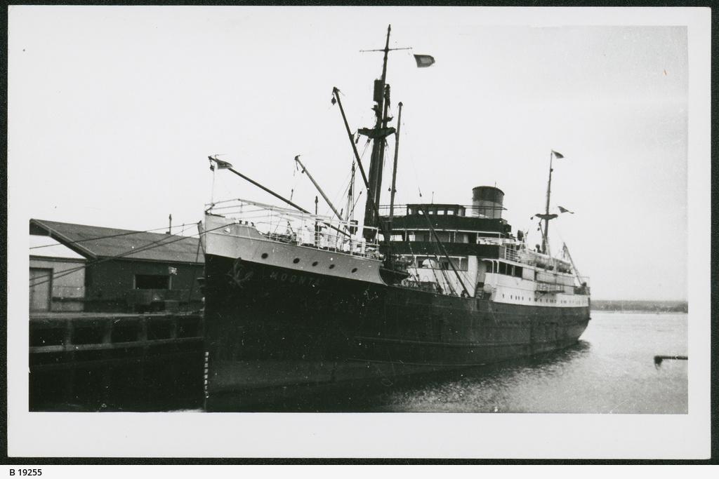 """""""Moonta Ship"""", Port Augusta"""