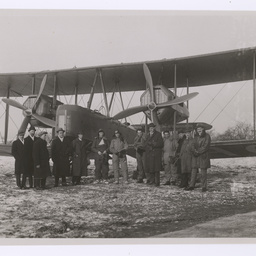 Group with the Vickers Vimy, Hounslow