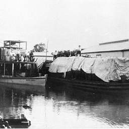 P.S. William R. Randell and Moorara barge with covered load at Renmark