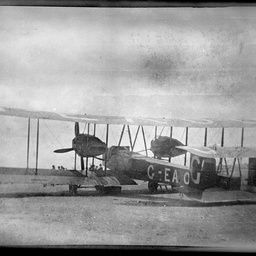 Vickers Vimy G-EAOU.