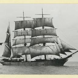 The 'Loch Linnhe' under sail