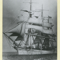 The 'Sierra Estrella' under sail