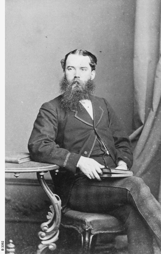 Dr Robert Peel