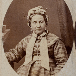 Group of [women] Old Colonists : Maria Raven