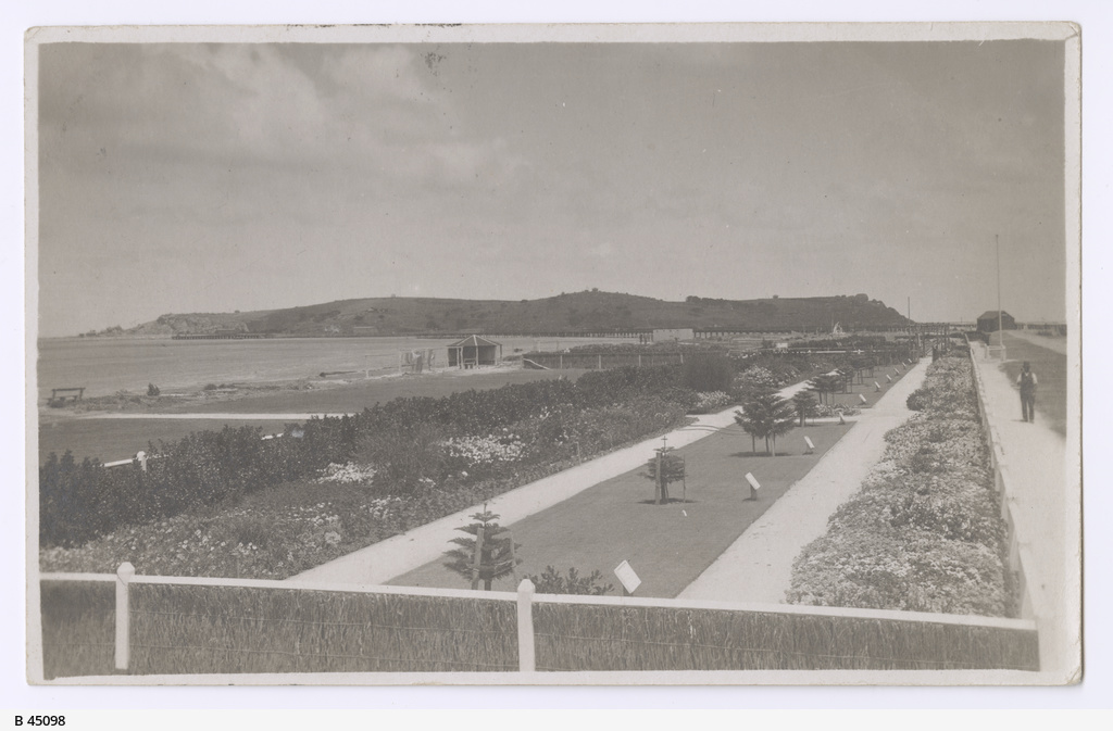 Soldiers Memorial Gardens, Vic