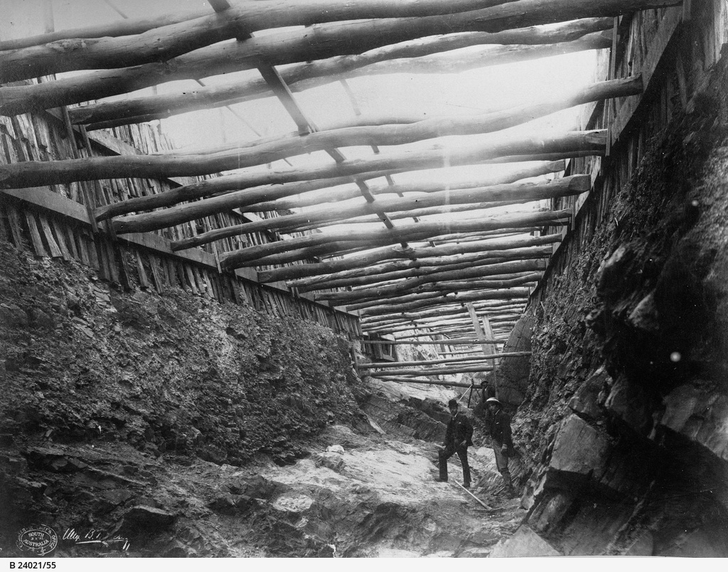 Happy Valley Reservoir : Puddling trench