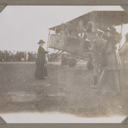 Vickers Vimy arrival at Darwin.