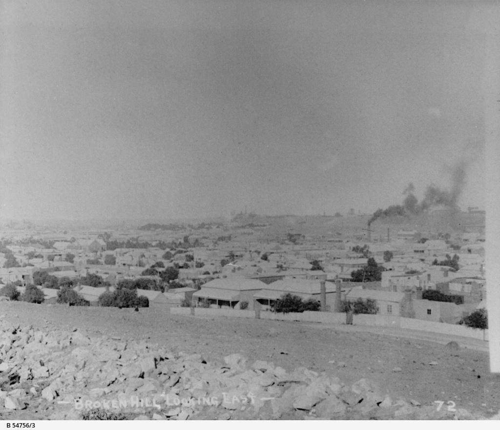 Broken Hill : Looking East