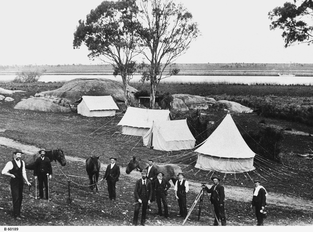 Surveyors camp near Tailem Bend