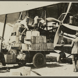 Refuelling the Vickers Vimy.