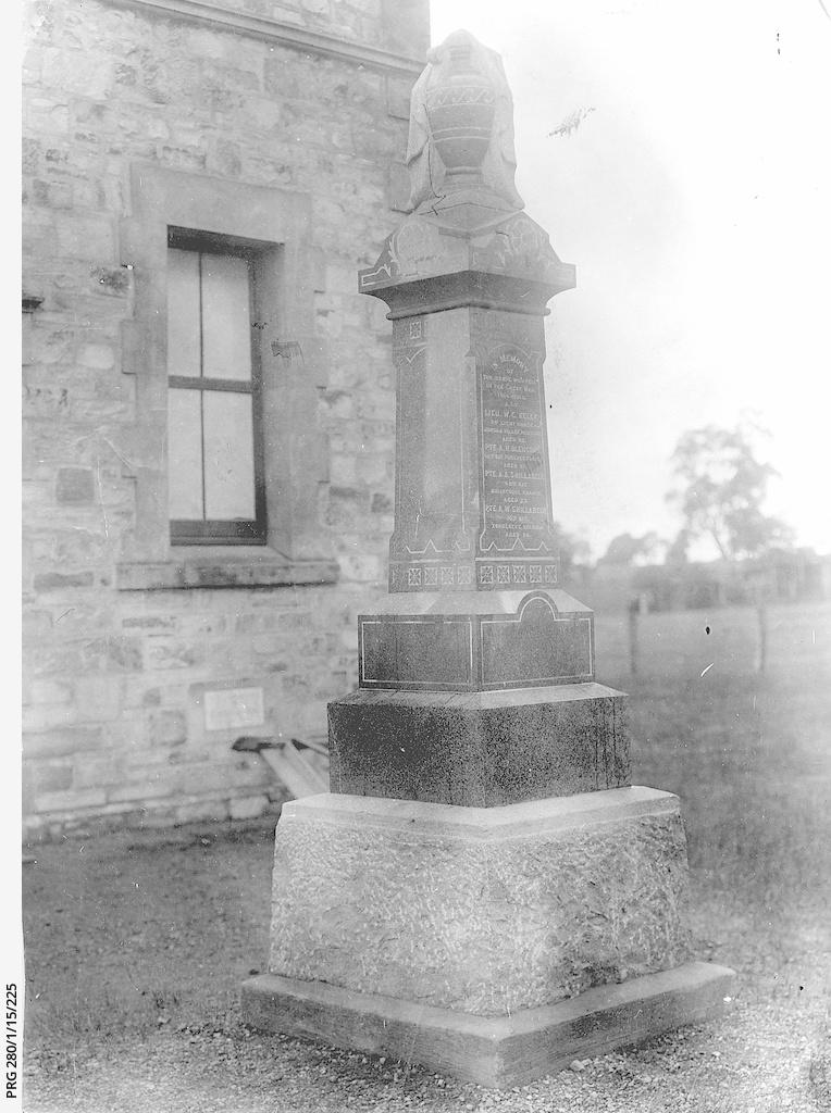 World War One memorial, One Tree Hill