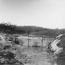 Happy Valley Reservoir : Clarendon Weir