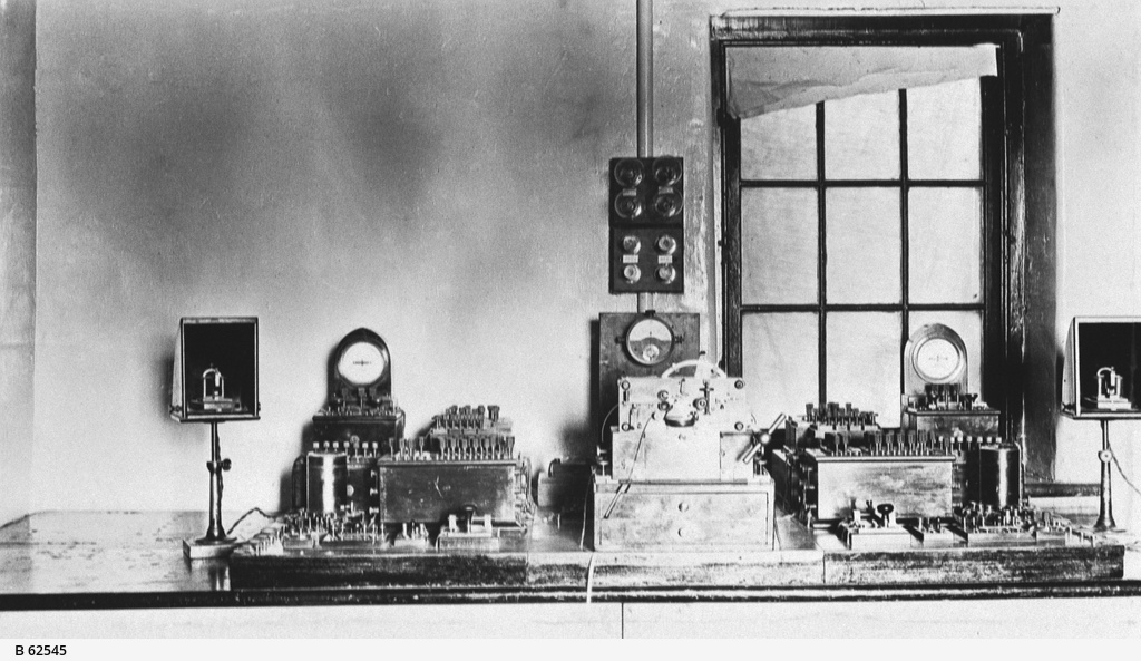 Telegraph station equipment