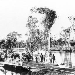 Early view of Hopwoods bridge and punt at Echuca
