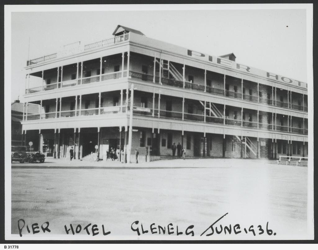 Hotel, Glenelg