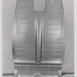 Sedan floor panel.