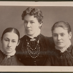 Album of portraits of the Lovelock, Meyer and other families