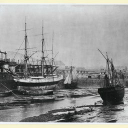 An unknown barque at Swansea