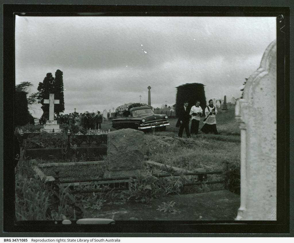 Ern James Funeral Parlour