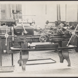 Lathe on the machine shop at MTT's Hackney workshop