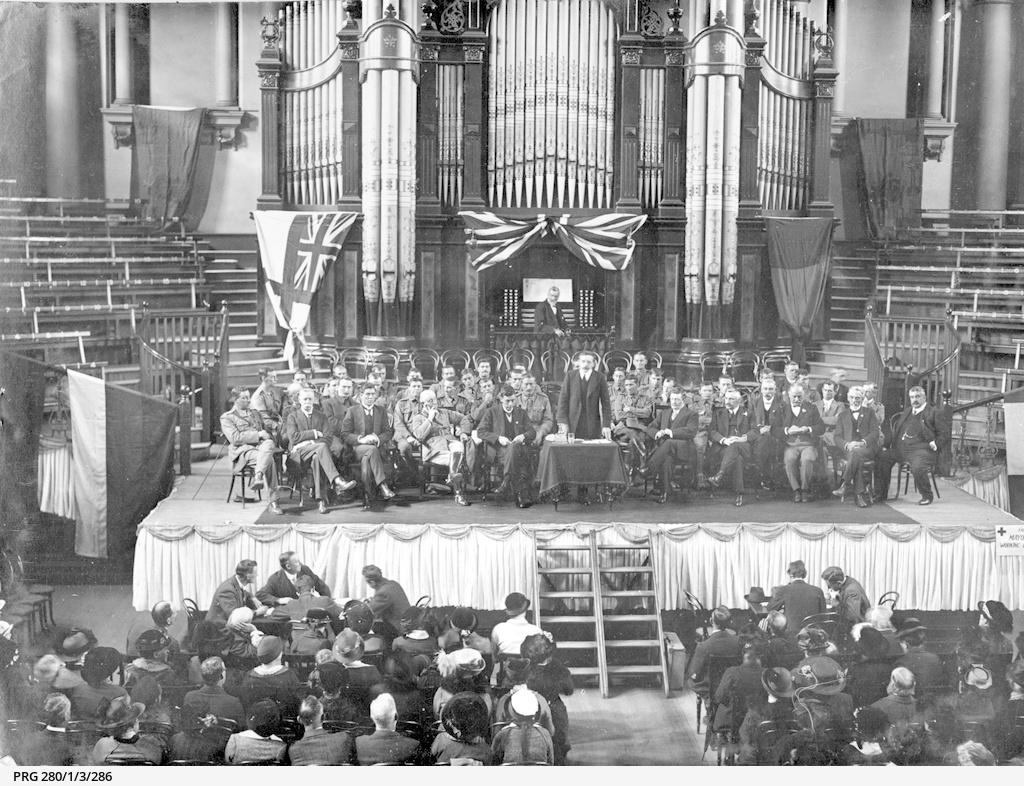 Public welcome for returned soldiers in the Adelaide Town Hall.