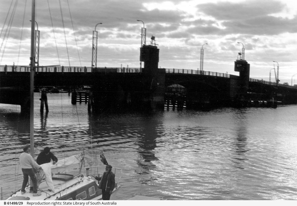 Birkenhead Bridge over the Port River