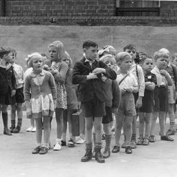Flinders Street School children