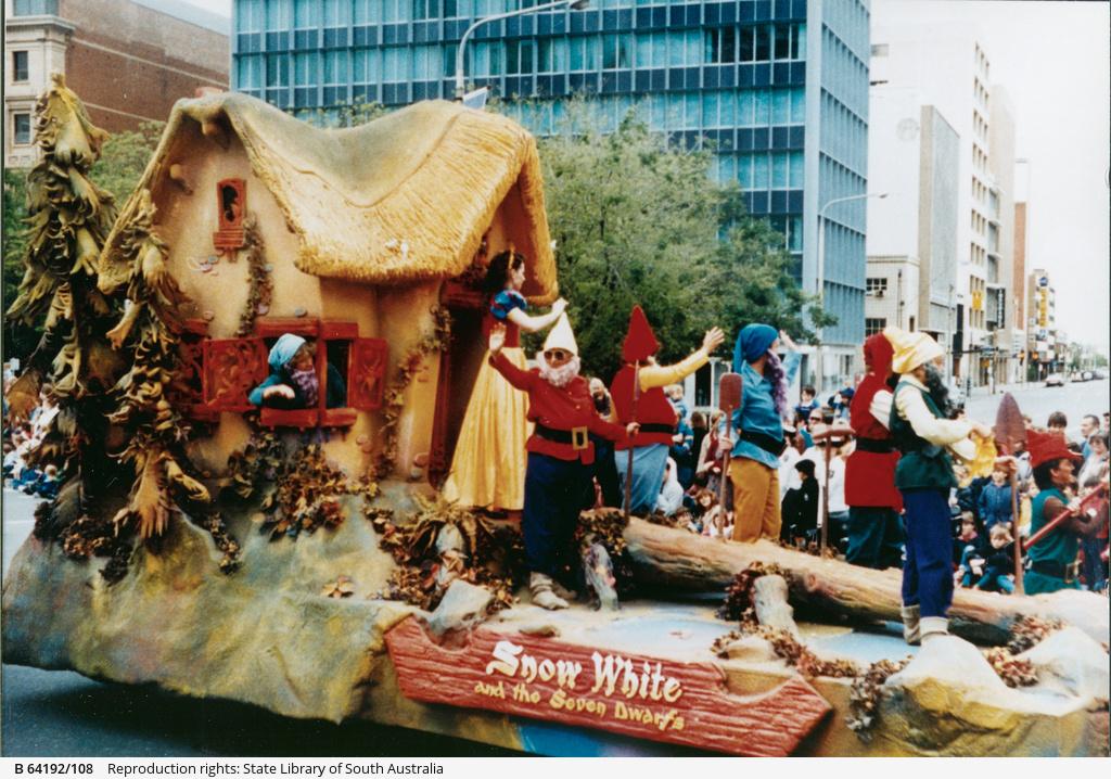 John Martin's Christmas pageant : Snow White & the Seven Dwarfs