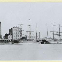 The 'Hope' docked in an unidentified port