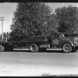 Semi-trailer at Mount Gambier