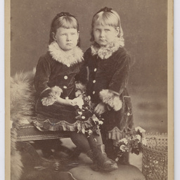 Mabel and Violet Taylor