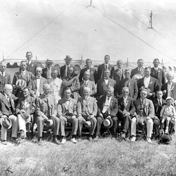 Sir George Le Hunte and Show officials