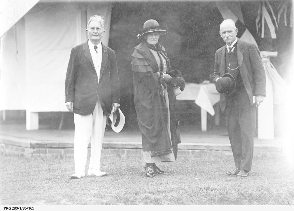 Sir Lewis Cohen, Mayor of Adelaide with Mr. & Mrs. John Reid