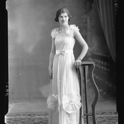 Miss E. Bruhn